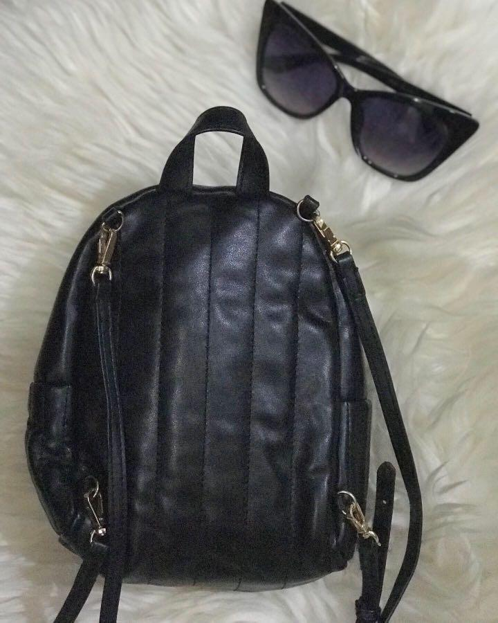 Black Backpack Victoria s Secret #lalamoveCarousell #HBDCarousell