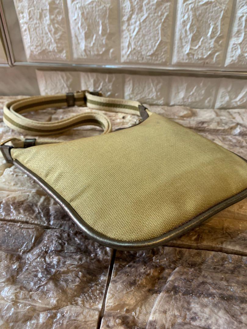 Gucci mini shoulder bag mulus authentic like new warna metalic gold 20 cm x 16 cm cantik