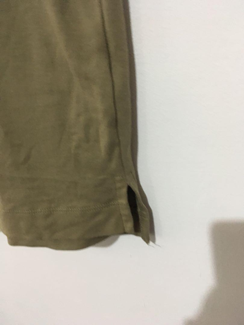 HM 橄欖厚磅T 寬版上衣 #恭喜旋轉七歲囉!