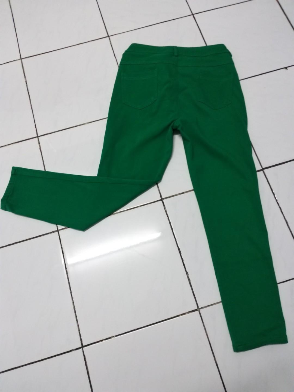 #joinagustus Celana Jegging hijau