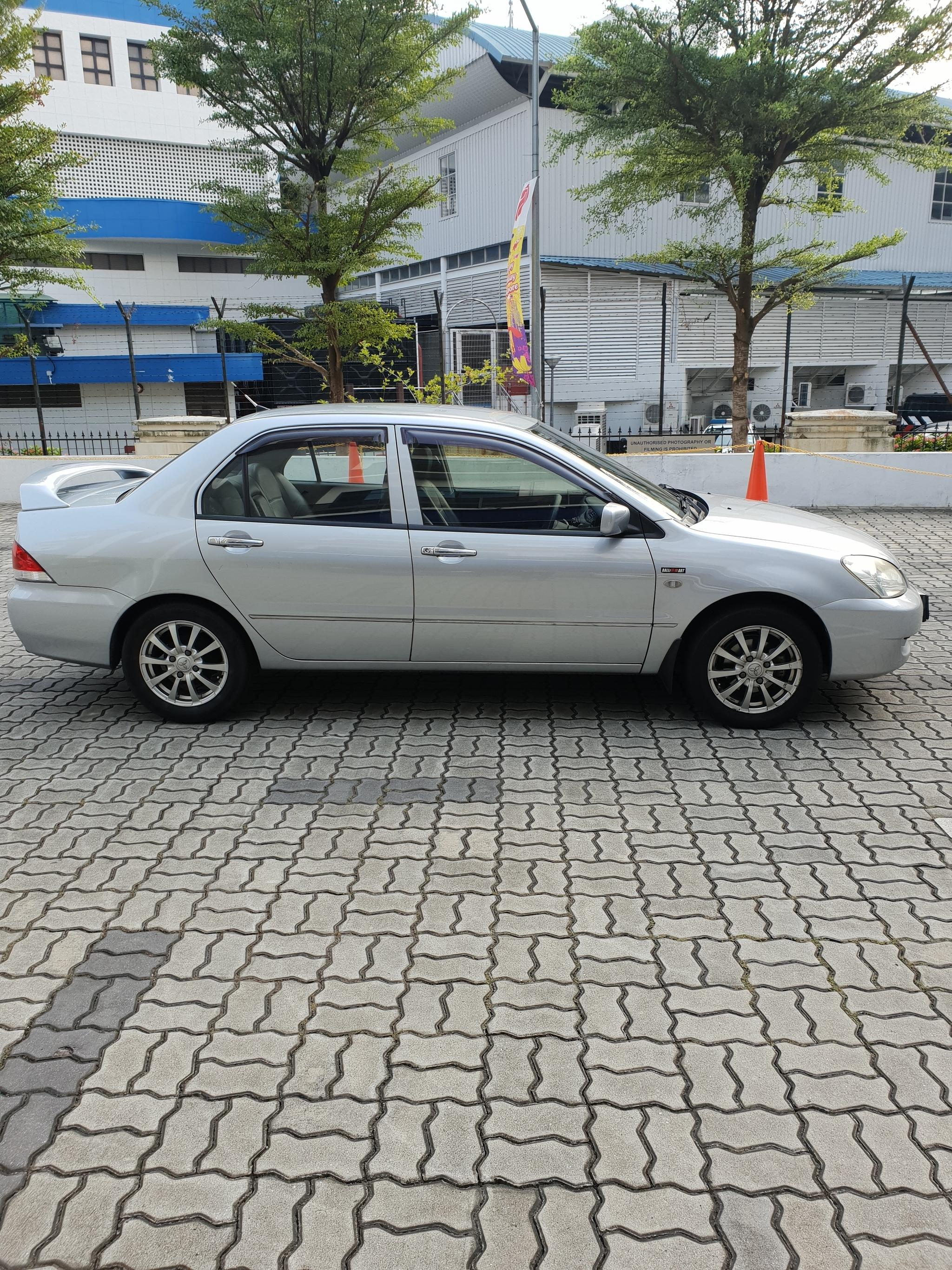 Mitsubishi Lancer GLX 1.6A Cheap Car Rental for Grab GoJek Ryde or Personal use
