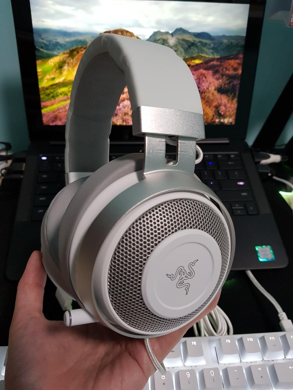 Razer Kraken 7.1 V2 Mercury Edition Oval Cushion Headset