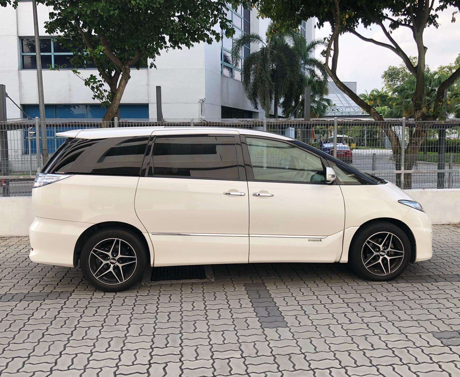 TOYOTA ESTIMA HYBRID *before gojek rebate**7 seater mpv*Toyota Wish Car Axio Honda Stream Cars PHV  For Rent Grab Rental Gojek Or Personal Use Low price and Cheap