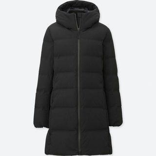 UNIQLO Black Seamless Down Short Coat in Size XS