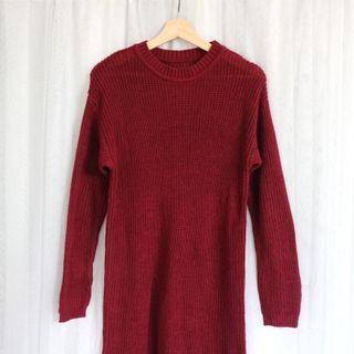 Maroon Sweater Panjang