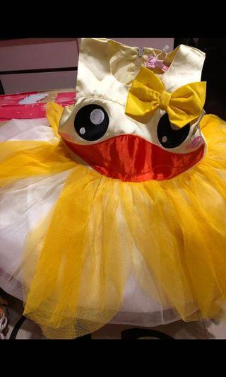 dress yellow duck