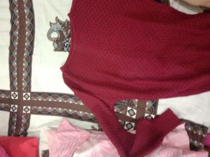Sweater maroon rajut