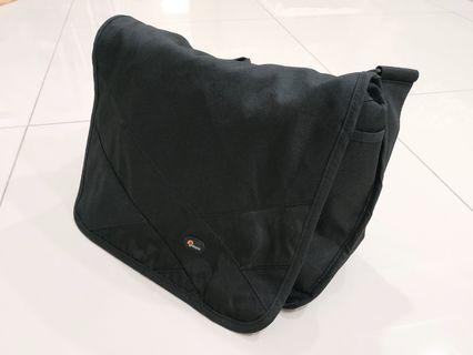 Lowepro Camera Messenger Sling Bag (Original)