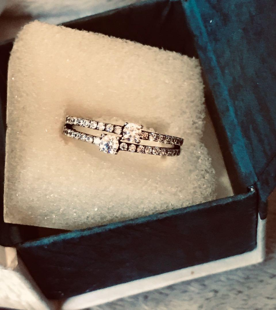 925 sterling silver engagement ring with AAA zirconia