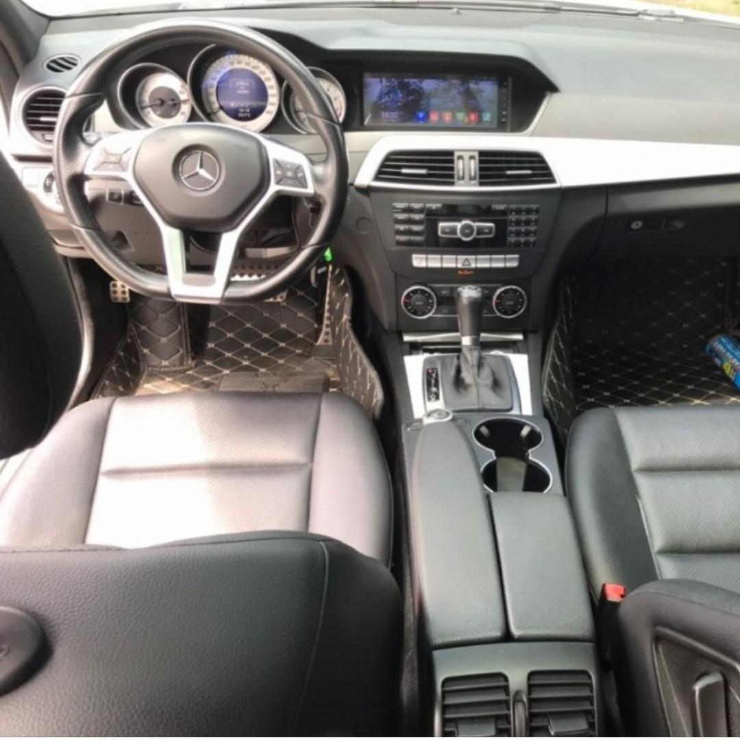 <<小洋嚴選中古車>> 13年Benz c250