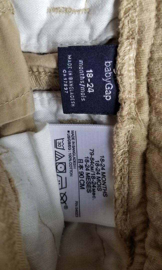 Baby gap shorts summer baby clothing lot. Size 18-24mths. New condition. Purchased for $29 each. Selling for $5. Must take all. Or take each for $7. Pick up Gerrard and main or 20 bay or Yorkville. Come see my other listings.
