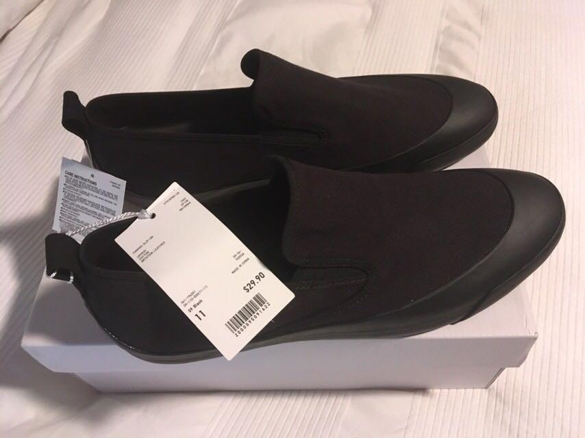 BLACK CANVAS SLIP ON LOAFERS SIZE 11 NEW