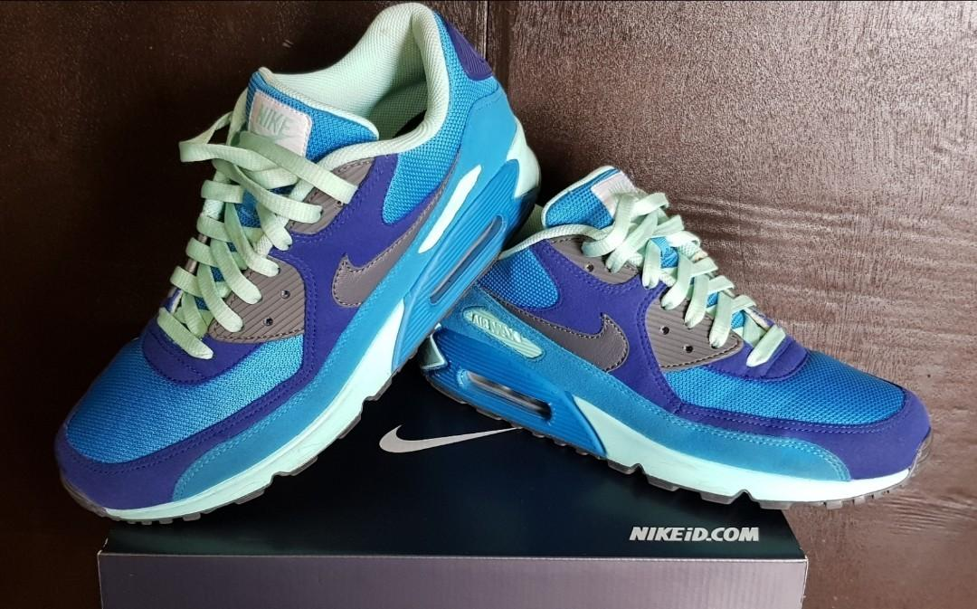 pas mal 3b0c5 eb35f Nike iD Air Max 90 on Carousell