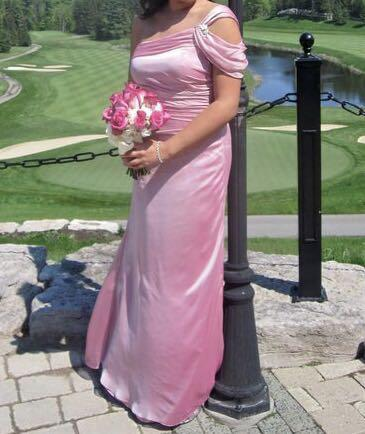 One shoulder pink bridesmaid dress, excellent condition!