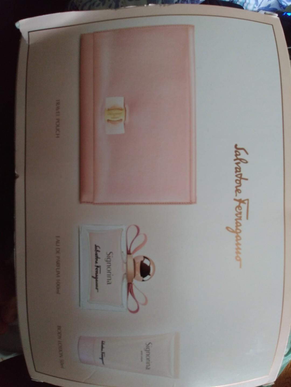 Salvador Ferragamo - 100ml Signorina perfume gift set