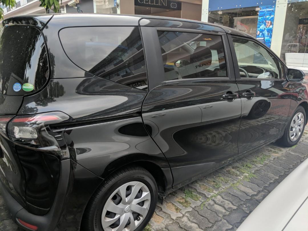 Toyota Sienta 1.5G