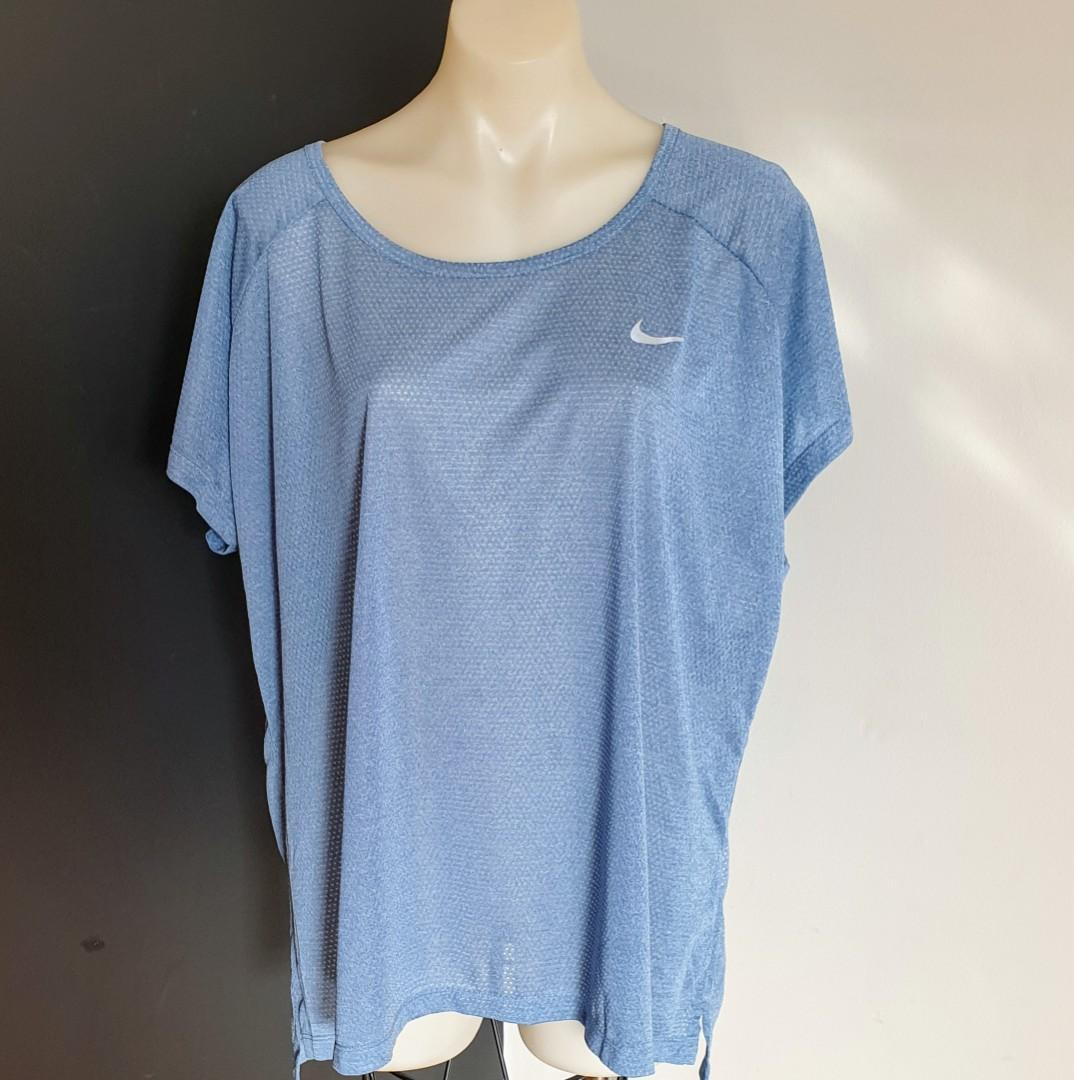 Women's size 3XL 'NIKE' Gorgeous blue dri-fit top with exposed back - BNWT