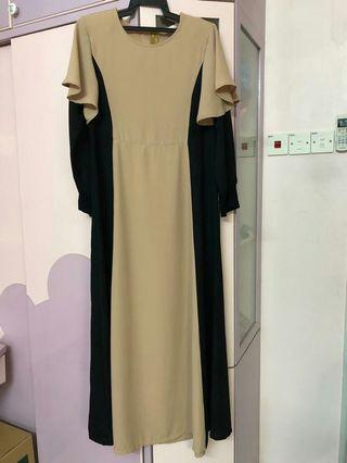 Cape dress poplook style