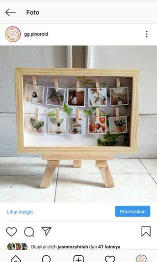 Satu set bingkai ala polaroid