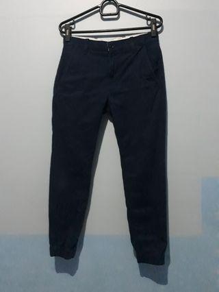 Celana jogger levi's original size 28