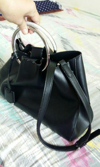 Pedro Elegant black hand/sling bag