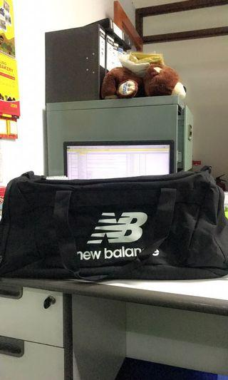 NB travel bag like new