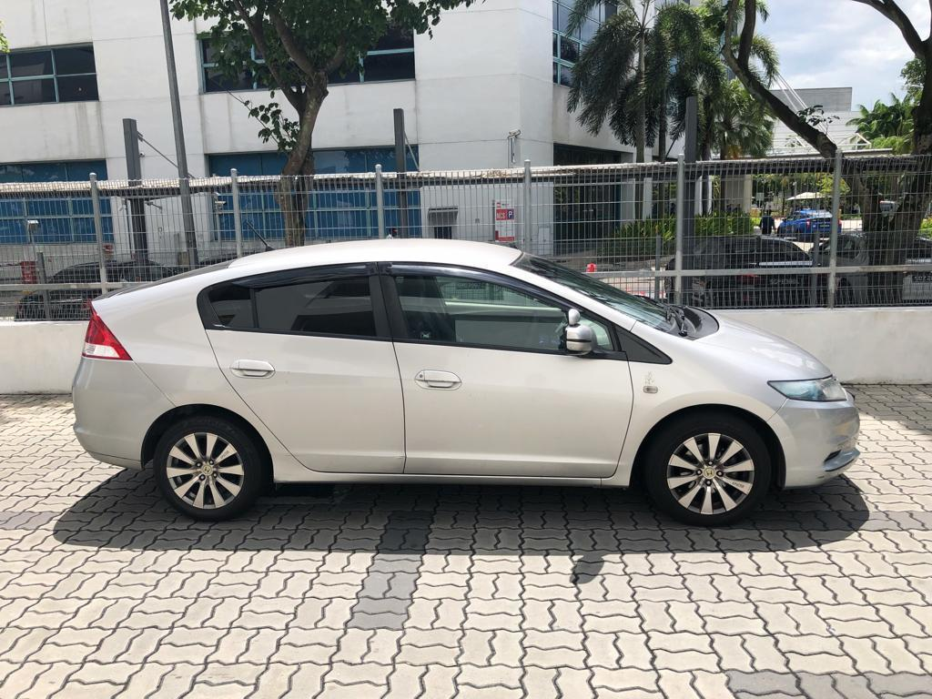 Honda Insight Hybrid 1.3A Cheap Rental for GoJek Grab Ryde or Personal use