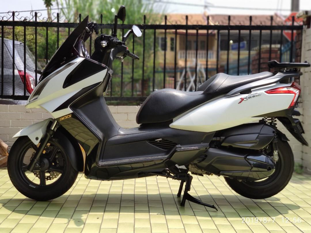 Kymco Downtown 200i (showroom condition)