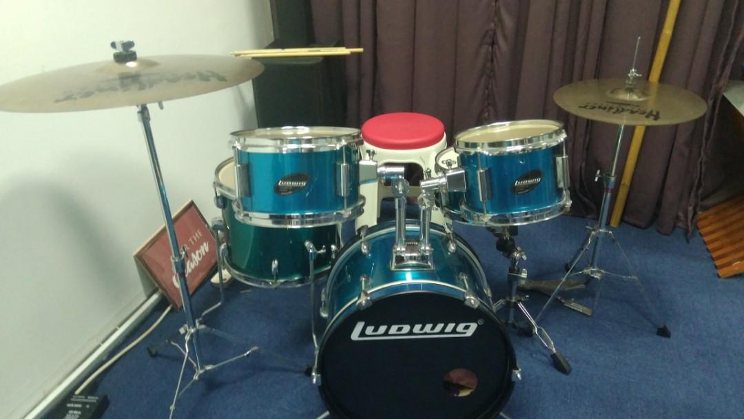Ludwig Junior drumset