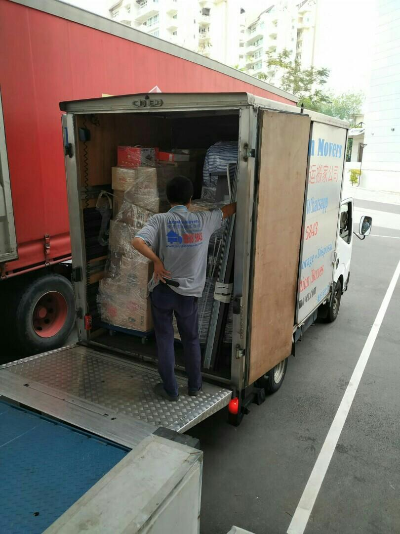 Mover and delivery service call HP: 92385843 JohnsionMover
