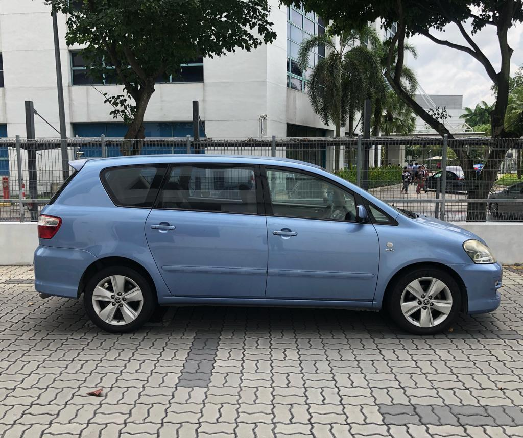 Toyota Picnic Cheap Car Rental for PHV Grab GoJek Ryde or Personal use