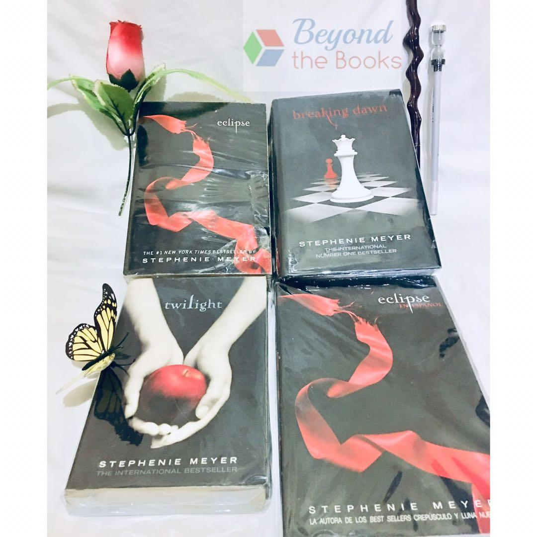 Twilight Saga Book Set +  Original Español Translation of Twilight - Eclipse #MrSpeedyCarousell
