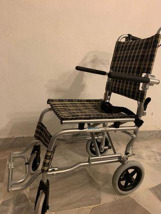 Lightweight foldable wheelchair + Free bag