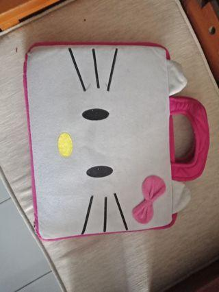 Tas laptop hello kitty