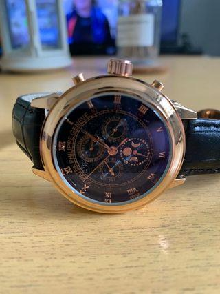 🚚 PP homage engraved sides automatic watch