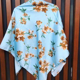 Jilbab Maxmara Segi Empat Corak Bunga Coklat