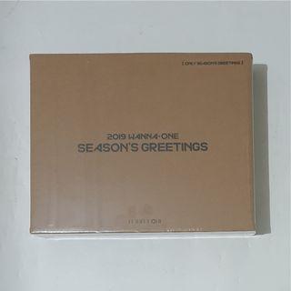 Wanna One season greeting box