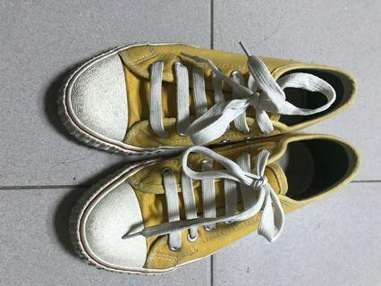 帆布鞋 黃
