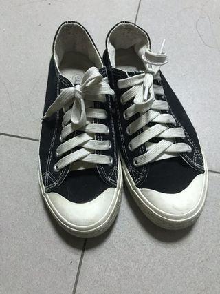 帆布鞋 黑白 /好搭配衣服