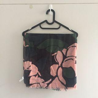 SALE ⚡️ GAP: Vintage Pattern Wrap-Scarves