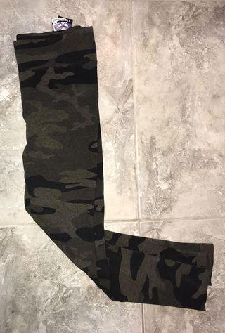 TNA camouflage leggings