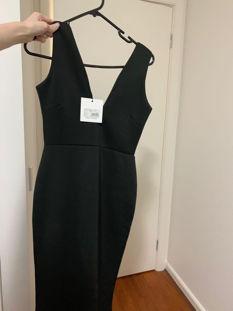 BNWT Missguided Petite Black Fishtail V Plunge Maxi Dress