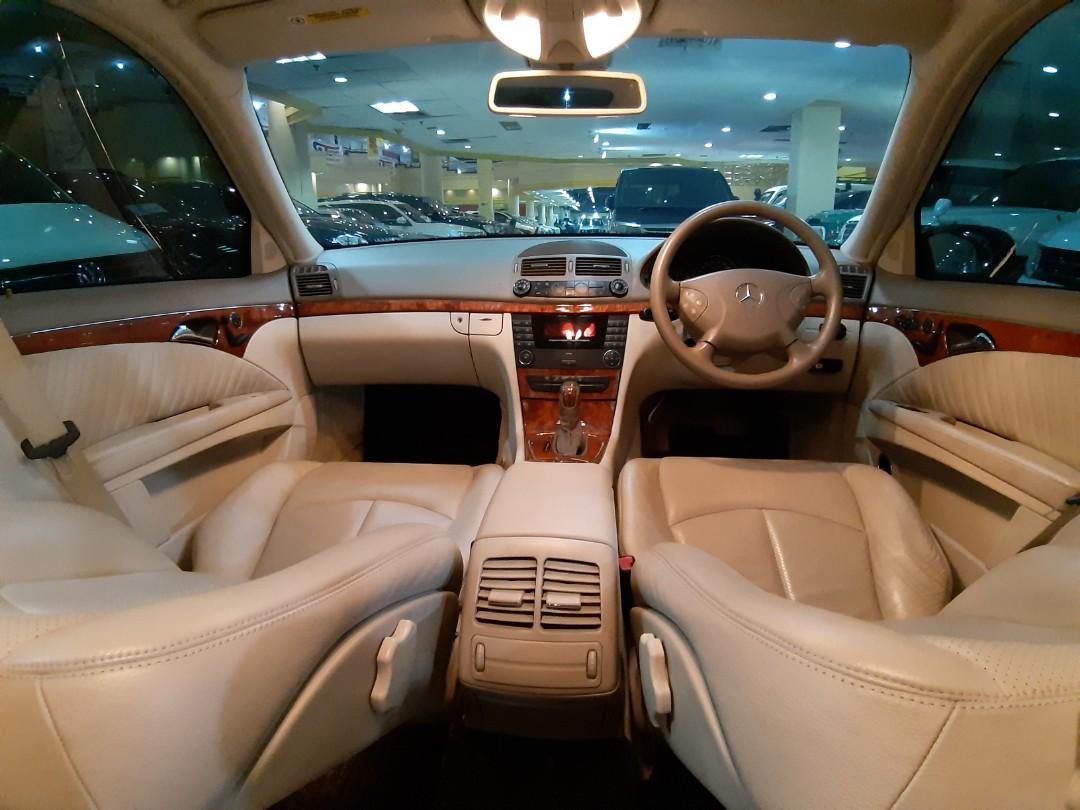 For SALE Thn.2003 Mercedes Benz MERCY E260 ELEGANCE Automatic.FULL ORISINIL.interior BEIGE.TERAWAT.Unit Kondisi PRIMA.Nopol B-DKI Jakarta Pusat