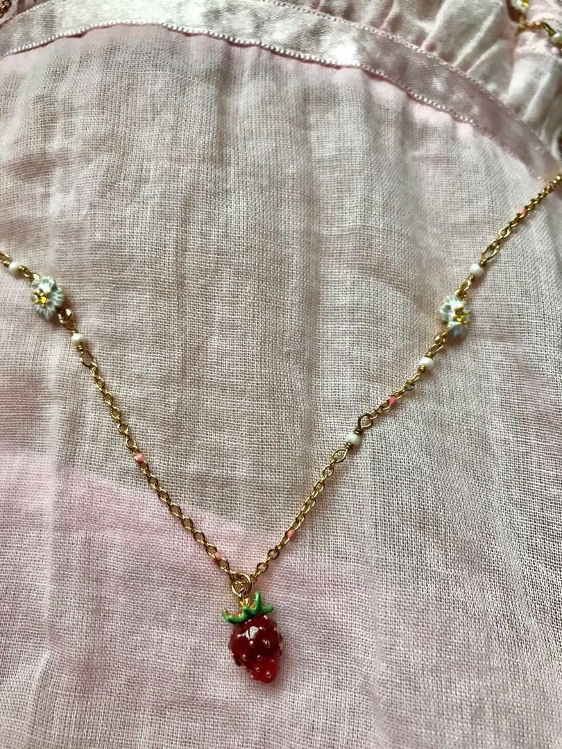 Les Nereides🍓strawberry necklace adjustable length