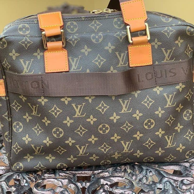 Louis Vuitton file bag bahan kulit asli kulit sudah matang Like New