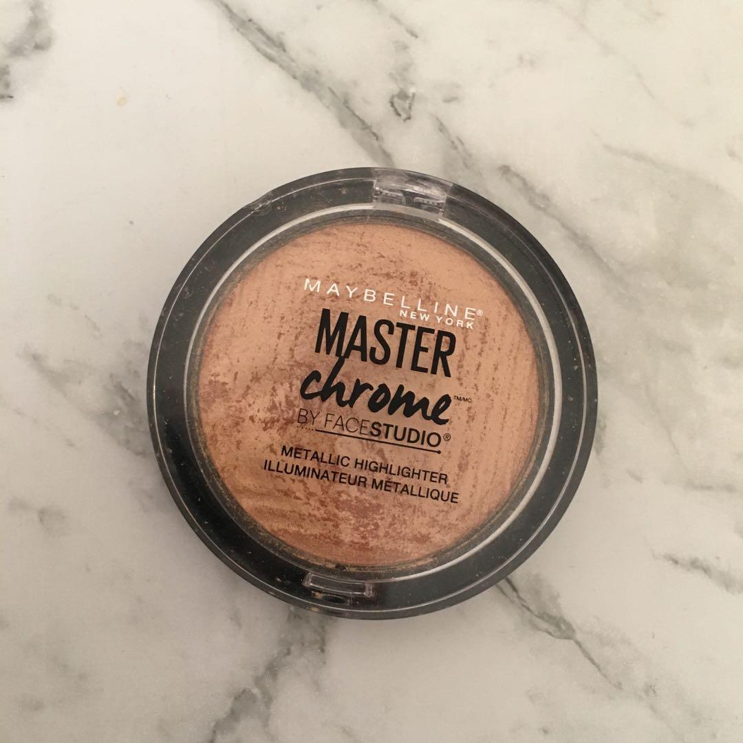 Maybelline Master Chrome Metallic Highlighter (100 Molten Gold)