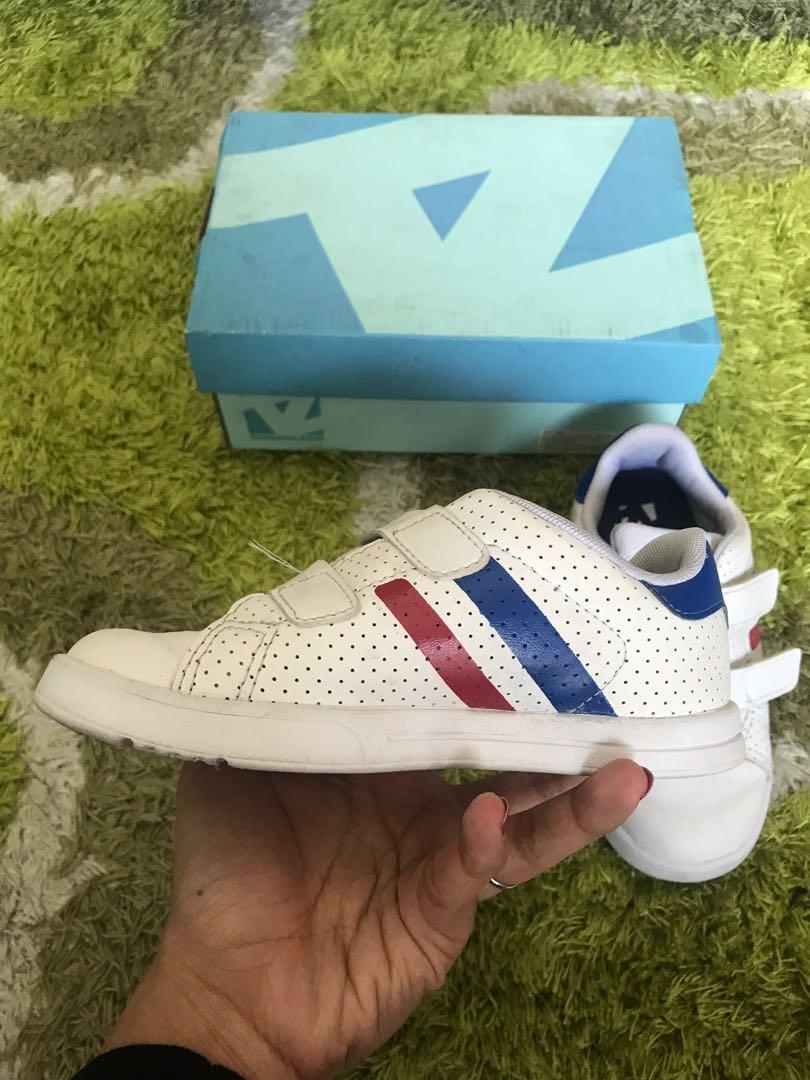 Sepatu Anak toezone