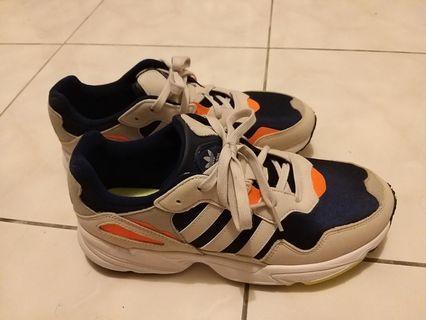 ADIDAS 休閒鞋 Yung 96 低筒 愛迪達  復古潮流老爹鞋 米白 藍