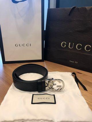 「甜售」Gucci滿版壓紋雙面皮帶