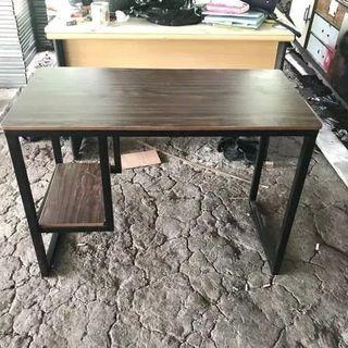 Meja belajar / meja kerja/ meja kantor